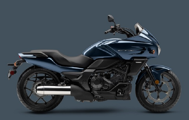 2016 Honda CTX700 side view