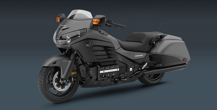 2016 Honda Gold Wing F6B front view