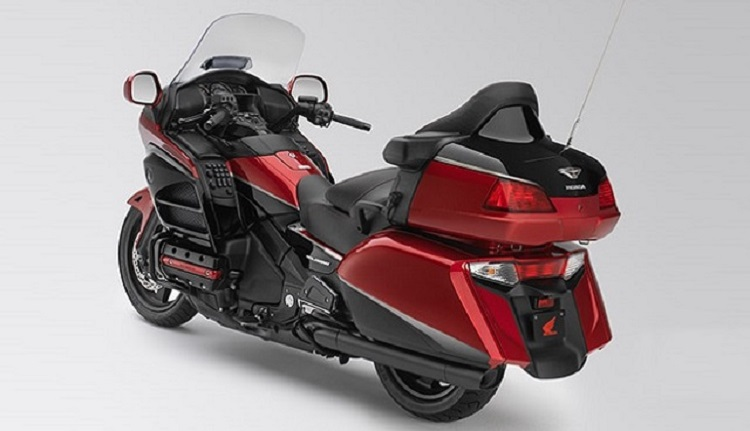 2016 Honda Gold Wing rear view