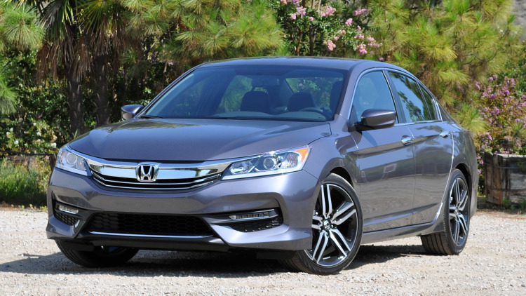 2017 Honda Accord Sport front view