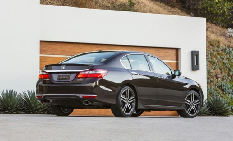 2017 Honda Accord Sport rear view
