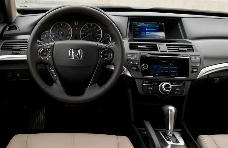 2017 Honda Crosstour interior