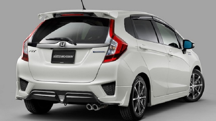 2018 honda fit sport. perfect honda 2018 honda fit rear view with sport