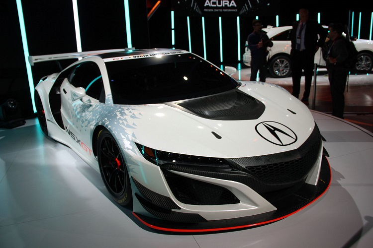 2017 Acura NSX GT3 front view
