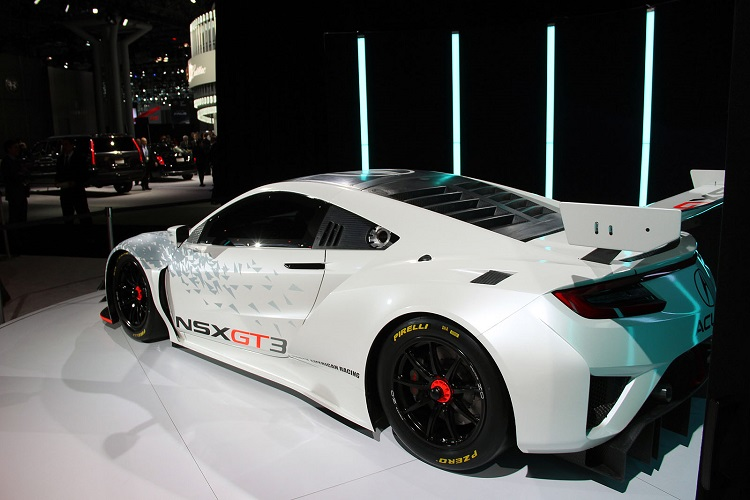 2017 Acura NSX GT3 rear view