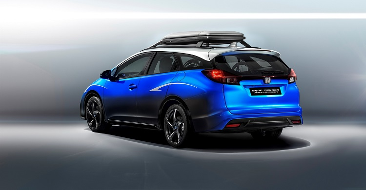 2017 honda civic tourer rear view