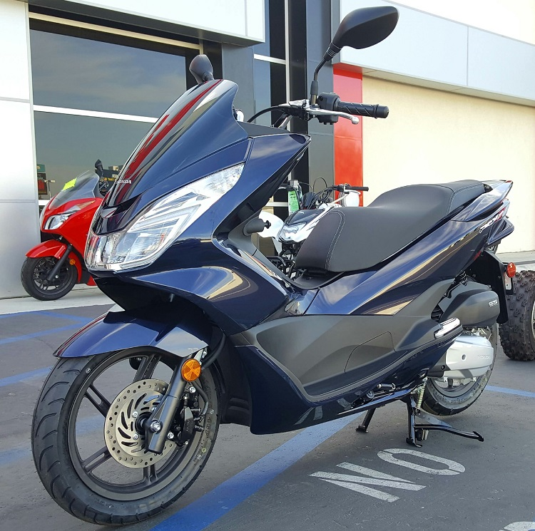 2017 Honda PCX150 - review, accessories, top speed, specs, price