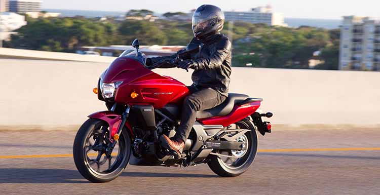 2018 Honda CTX700 ride