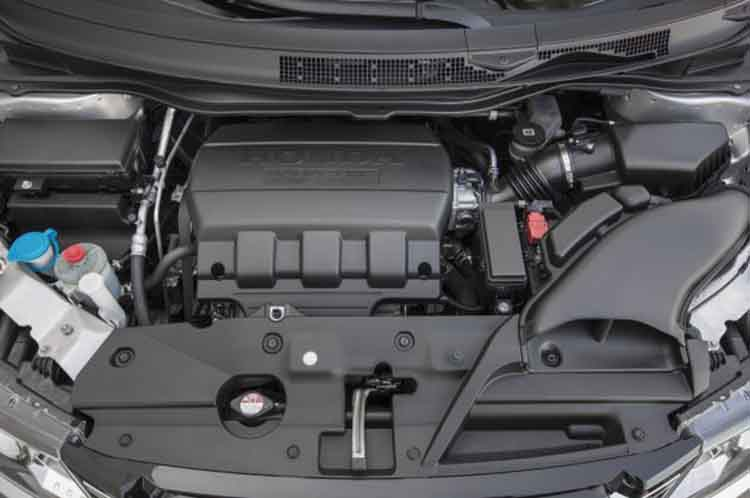 2018 Honda Fit Shuttle engine